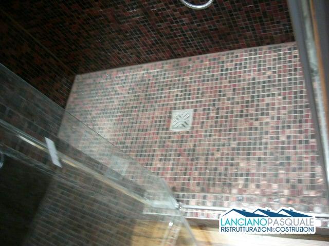 ristrutturazione bagno rivestimento mosaico su rete ditta lanciano pasquale Roma